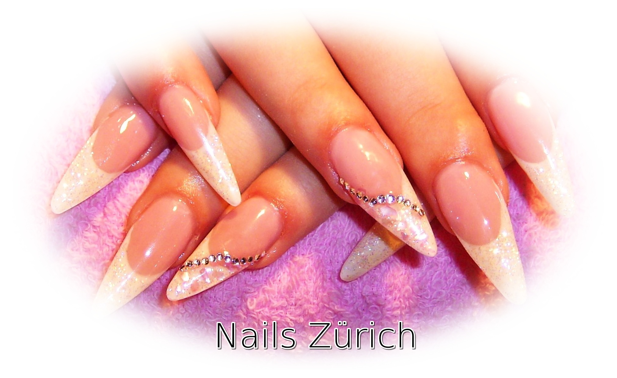 Nikike white nails Zürich